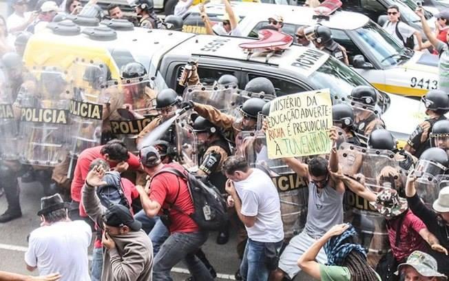 Repressão Greve PR 2
